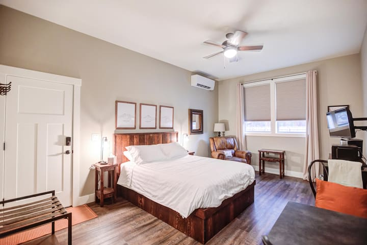 Middle Sister - Sisters Bed and Breakfast