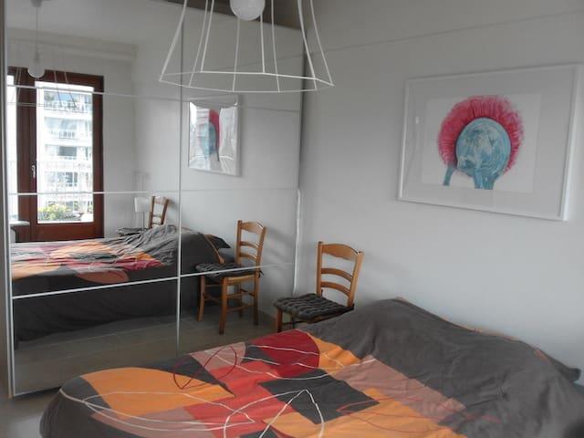 Grande chambre dans quartier calme de Bruxelles - Watermael-Boitsfort - Apartment