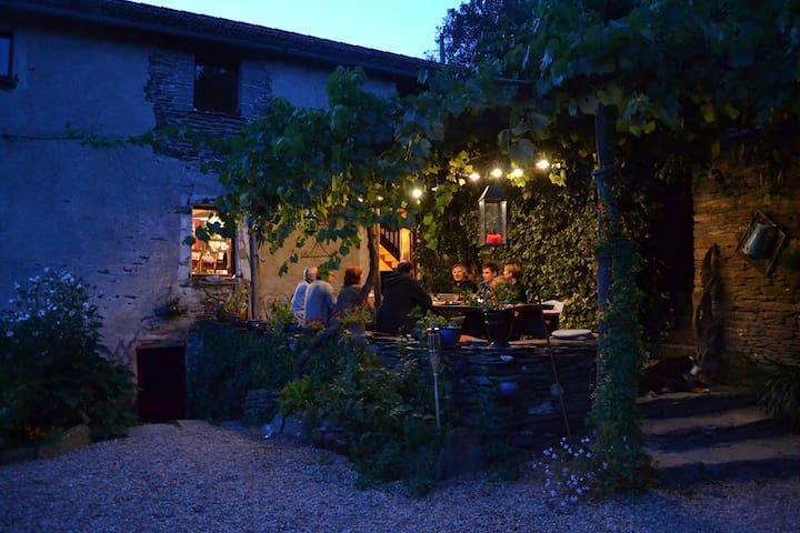 Chambres buissonières insolites - Saint-Germain-de-Calberte - Guesthouse