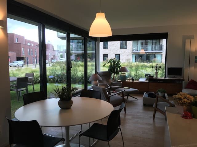 New appartment with 2 bikes, free parking