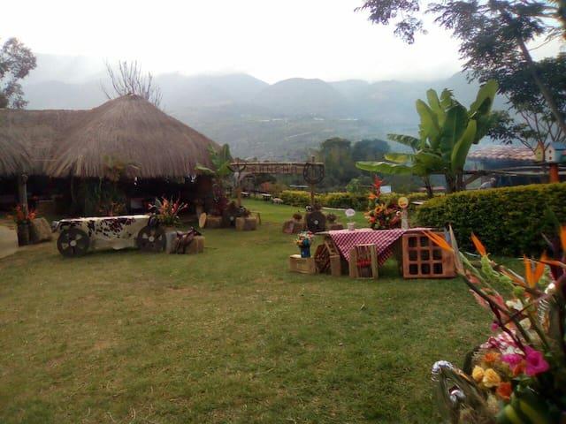 Preciosa Casita en Zapatoca/ Beautiful guest house