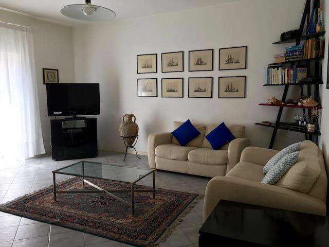 Comfort e luce per famiglie o coppie in Argentario - Porto Ercole - Huoneisto