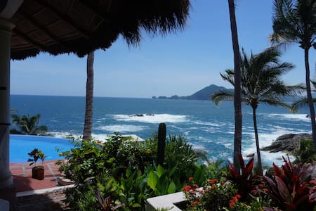Fully Staffed Oceanfront Villa - Manzanillo