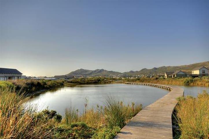 Idyllic Noordhoek flatlet in scenic eco-estate - Cape Town - Apartmen