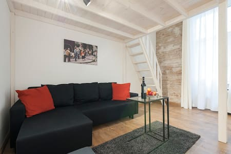 Cozy Loft Apartment with Aircondition - Budapest