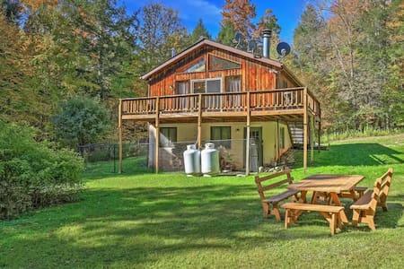 Impressive 3BR Jewett Cabin w/Fire Pit - Jewett - Mökki