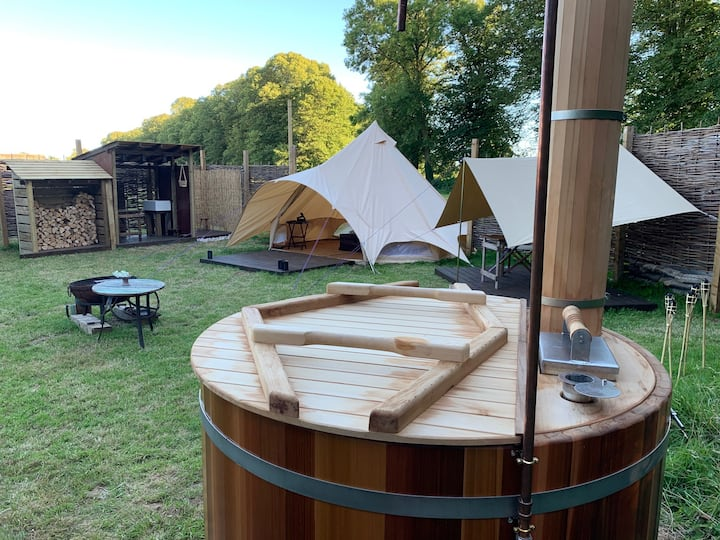 Safari style heated Glamping with hot tub