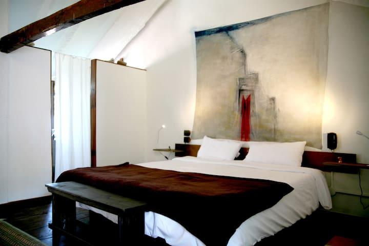 Bethencourt Alfonso Room