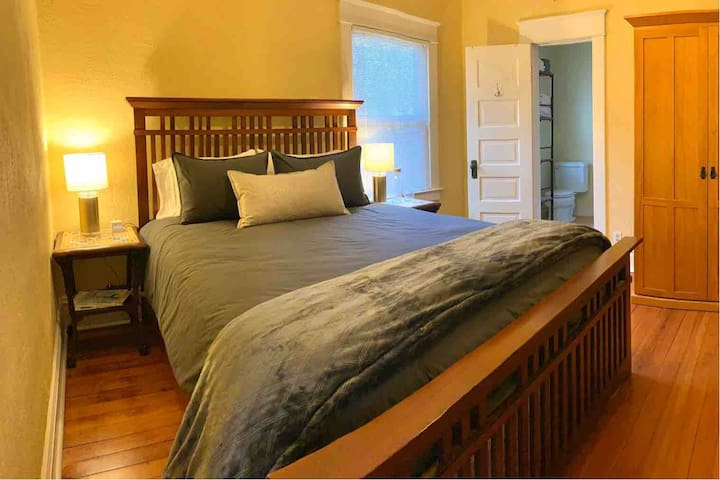 Cozy & Clean Home Near Downtown, Ski Mtn. and Lake