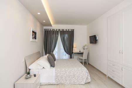 Nuova villa romantica anacaprese - 阿纳卡普里 - 住宿加早餐