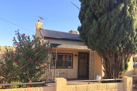 Modern Charming House in Broken Hill