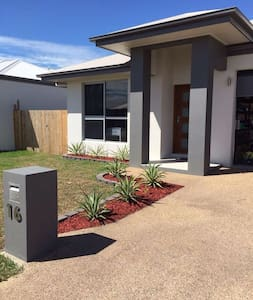 1BD & bathroom with shared kitchen - Townsville - Haus