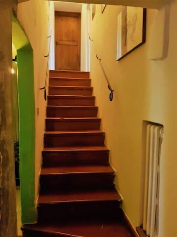 scala che porta alle camere