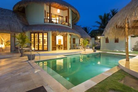 Villa Annuello,Bingin Beach Uluwatu - House