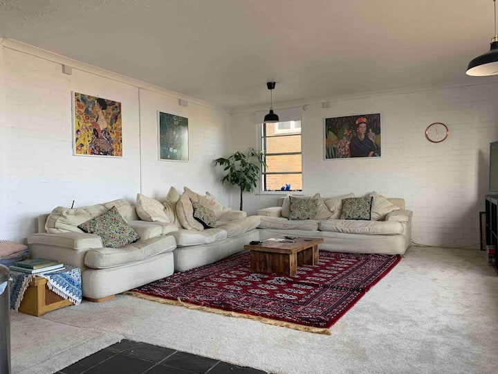 Beautiful Chiswick Flat Near Station& Free Parking