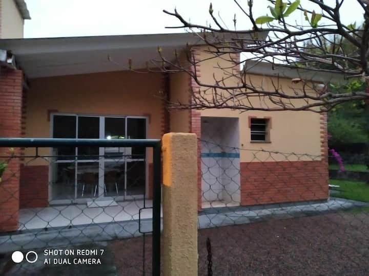 Casa aconchegante no Paraiso de Gov Celso Ramos