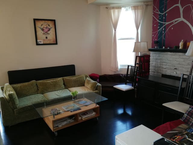 Socialites' Flat near OTR/Clifton