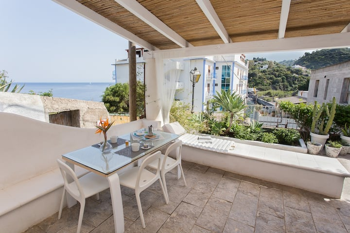 Lipari centre chic studio with view