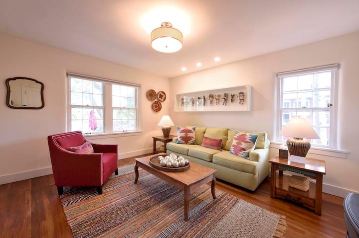 600 sq.ft Deluxe Suite-1/2 mi. from Santa Fe Plaza