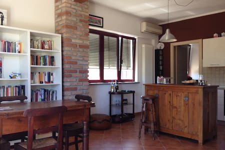 Beautiful apartment with garden - San Giuliano Nuovo - Rumah