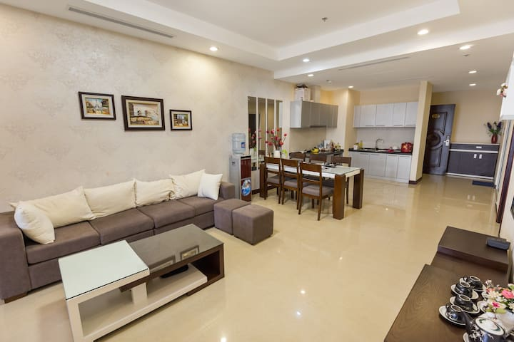 NEWLY Furnished Apartment in ROYAL CITY - Hanoi - Pis