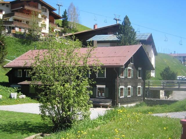 Selbstversorgerhaus in Lech - Lech - Skjul
