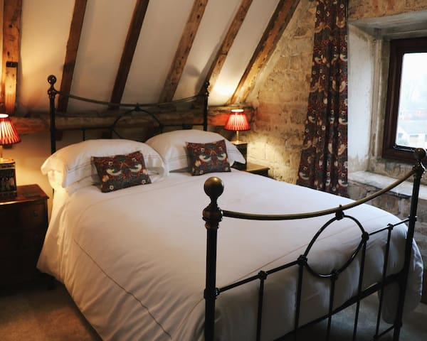 Footman's Room at Allington Manor