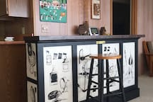Happy Hour Bar