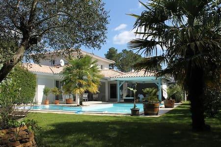 Chambre d'hôtes Pt Déj et piscine chauffée Ch 1 - Andernos-les-Bains