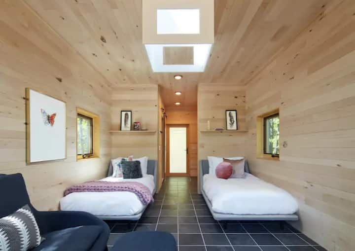 Tiny Home w/Meals, Sauna, Yoga | Wild Rice Retreat