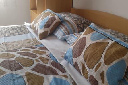 Apartment Radman- quiet and comfortable - Omišalj - บ้าน