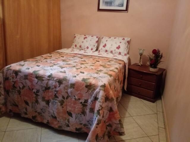 Aconchego - Quarto Casal no Centro de Ouro Preto.