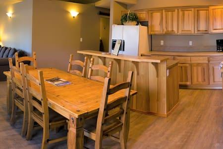 #1 River Pines Inn - River Suite full kitchen