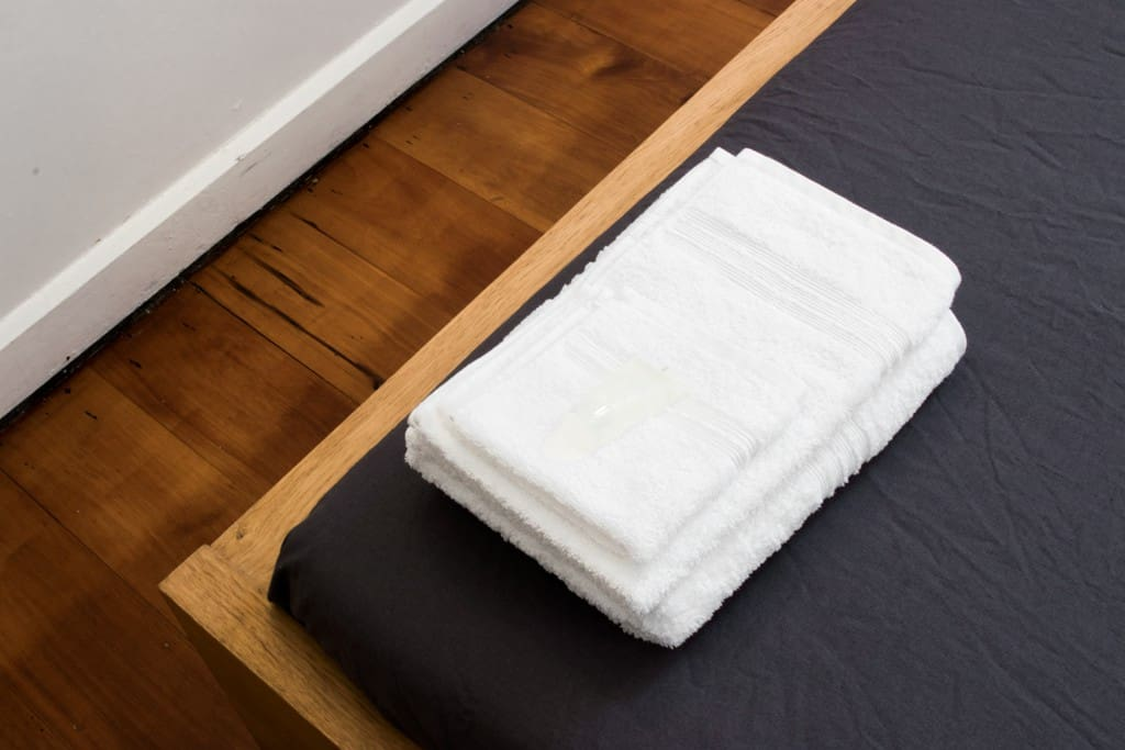 Fitted with super soft Egyptian cotton sheets, wash cloths, hand & bath towels.