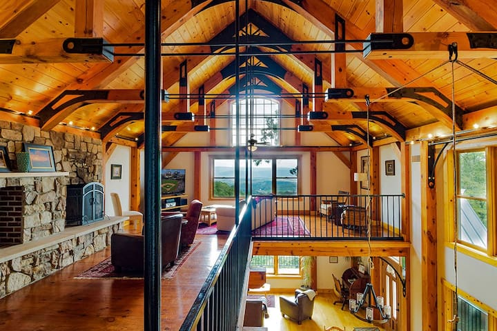 Brush Mountain Lodge - Timber Frame Lodge w/Views