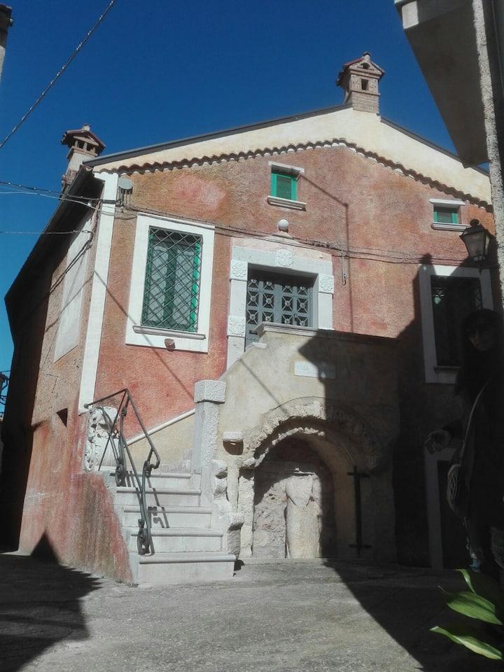 Romantica casetta a Padula a tre km dalla Certosa