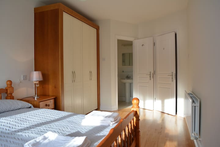 Double Room with Ensuite - Dublin - Apartemen