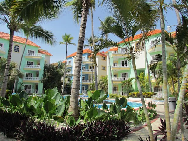 Palm Suites A4 White Sand Beach Property