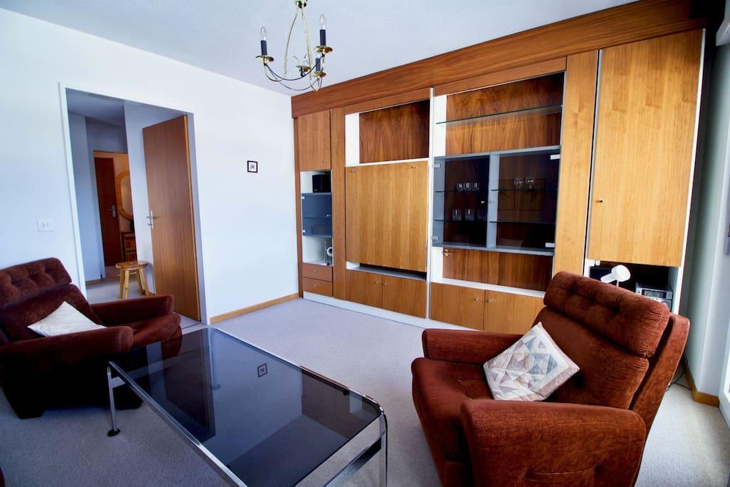 petit appartement meubl lo che les bains appartements louer leukerbad valais suisse. Black Bedroom Furniture Sets. Home Design Ideas