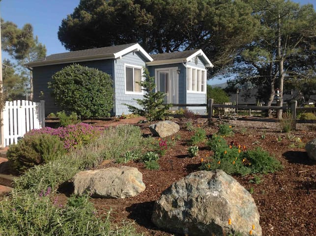 Baywood Park Tiny Cottage