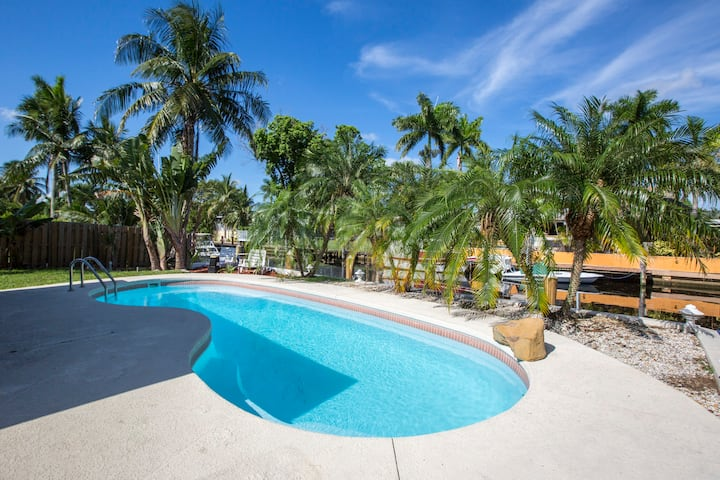 3 br Heated Pool with Dock in Heart of Fort Laud!