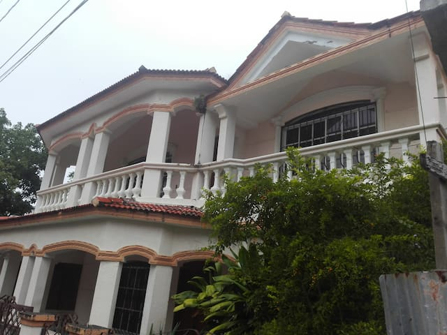 4 room Family Town House - Victorial Style