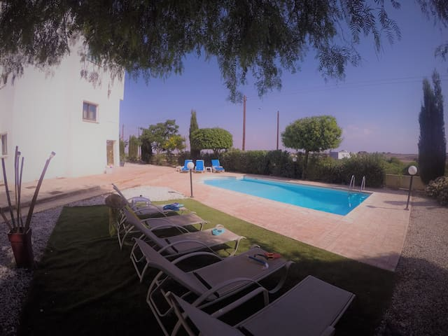 Ikaros Villa 4 bedrooms with private pool