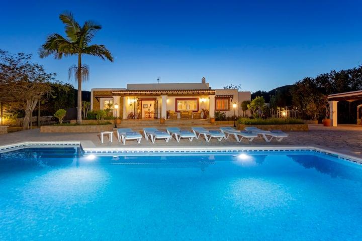 Villa near Ibiza Town, sleeps 6 - Sa Tanca