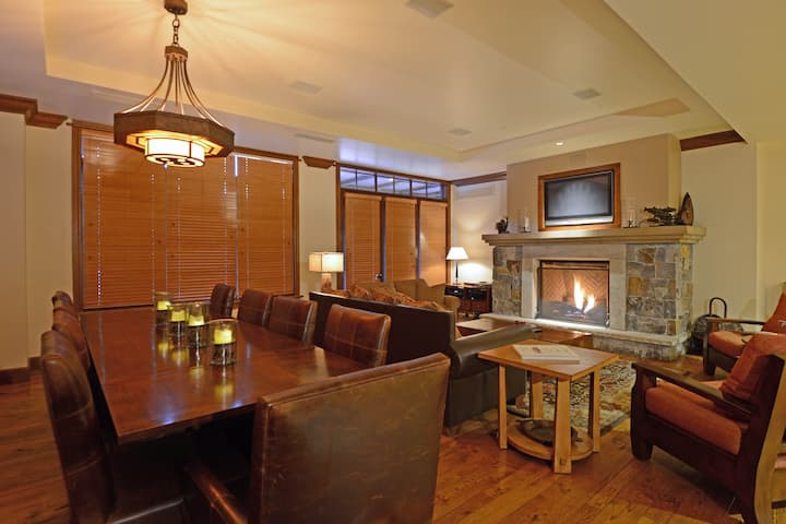 Luxury Northstar Condo w/ Private Elevator Access - Great Bear 207