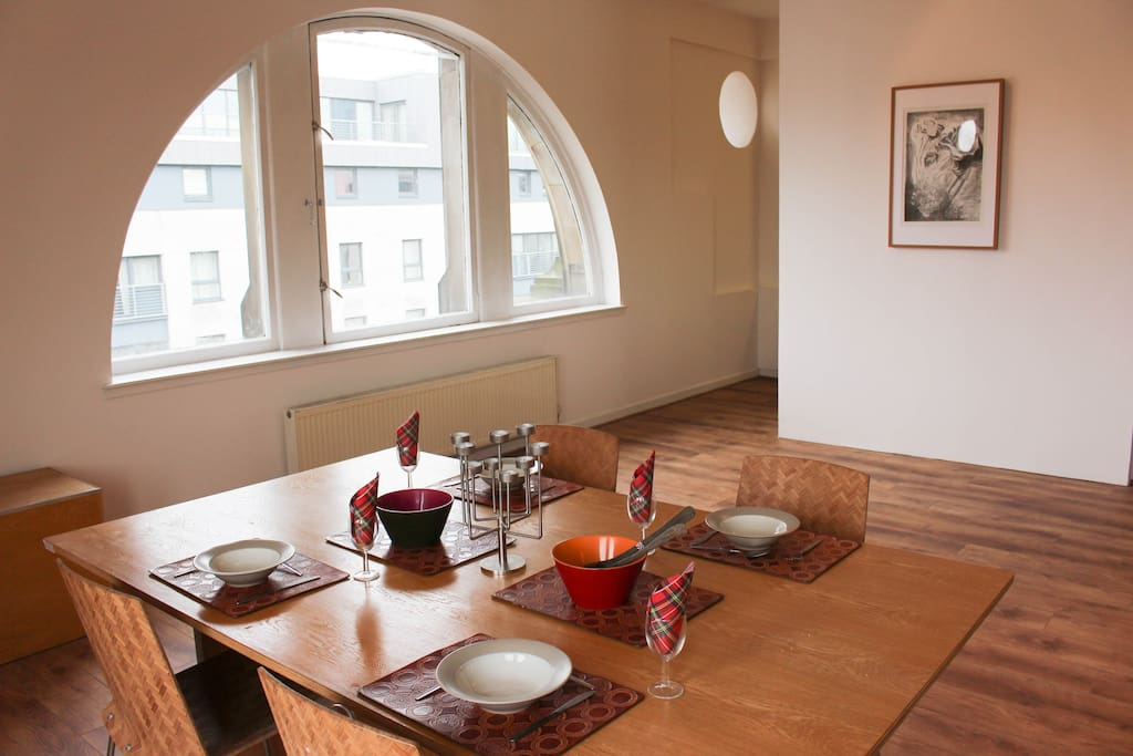 Main Living Space: Dining Area