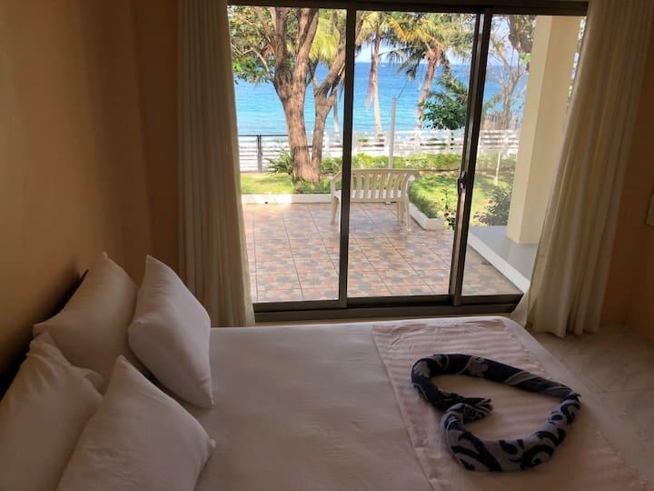 AMAMI BEACHFRONT VILLA+ Private Beach SEAVIEW room