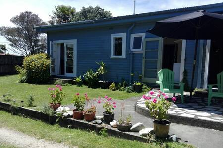 HOME AWAY FROM HOME BEST LOCATION - Takaka