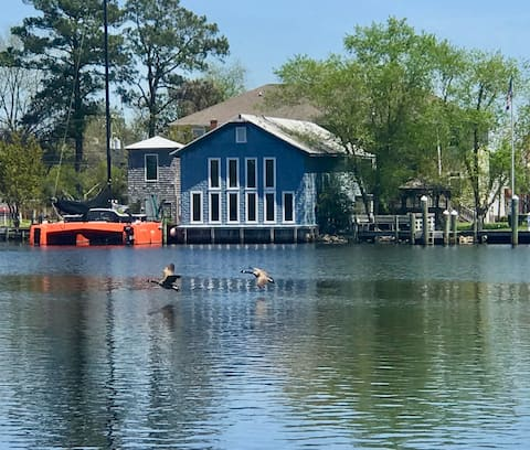 2-BR Historic Riverview Lodge at Pocosin Arts