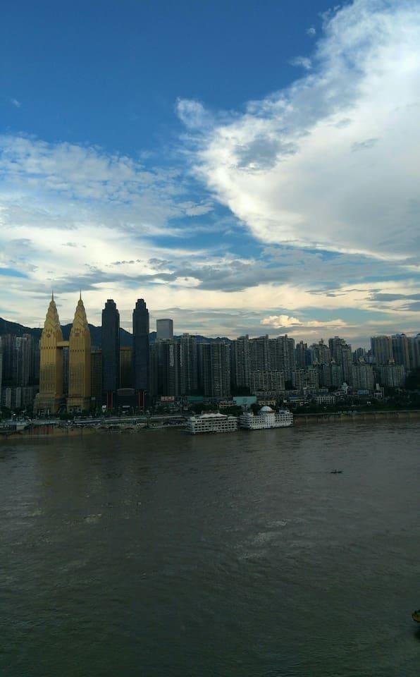 傍晚,窗边的南山、长江!江山多娇!